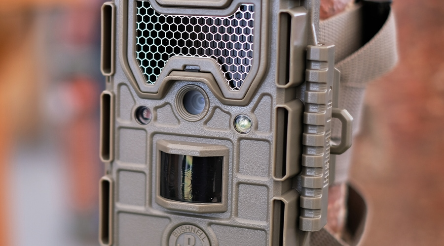 what is a no glow trail camera